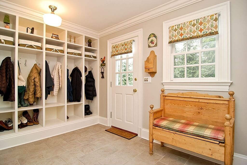 Open house plans with mudrooms