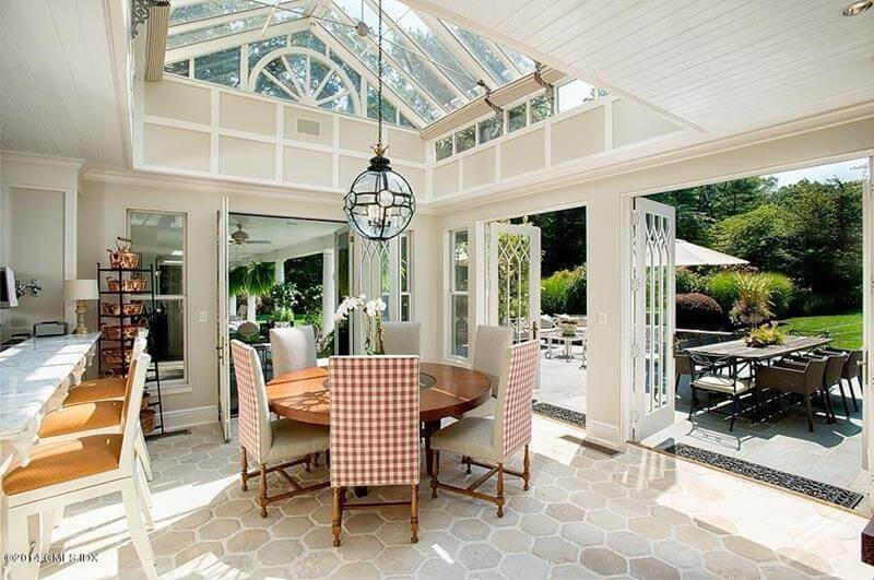 Dining Room With Skylights Design
