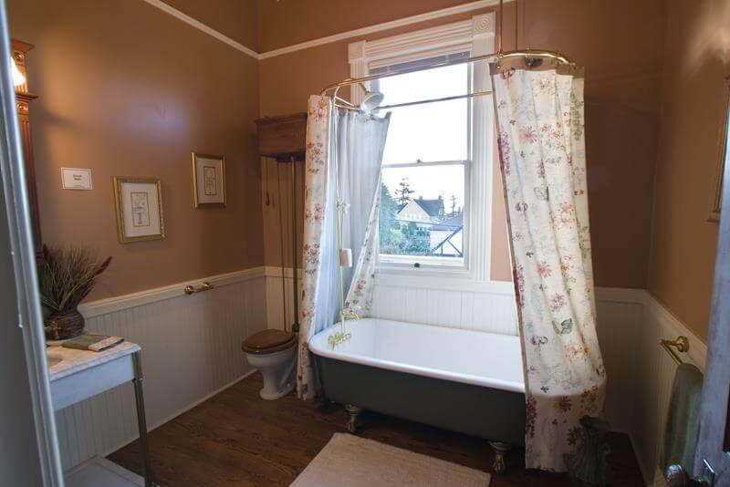 Bathroom Clawfoot Tubs