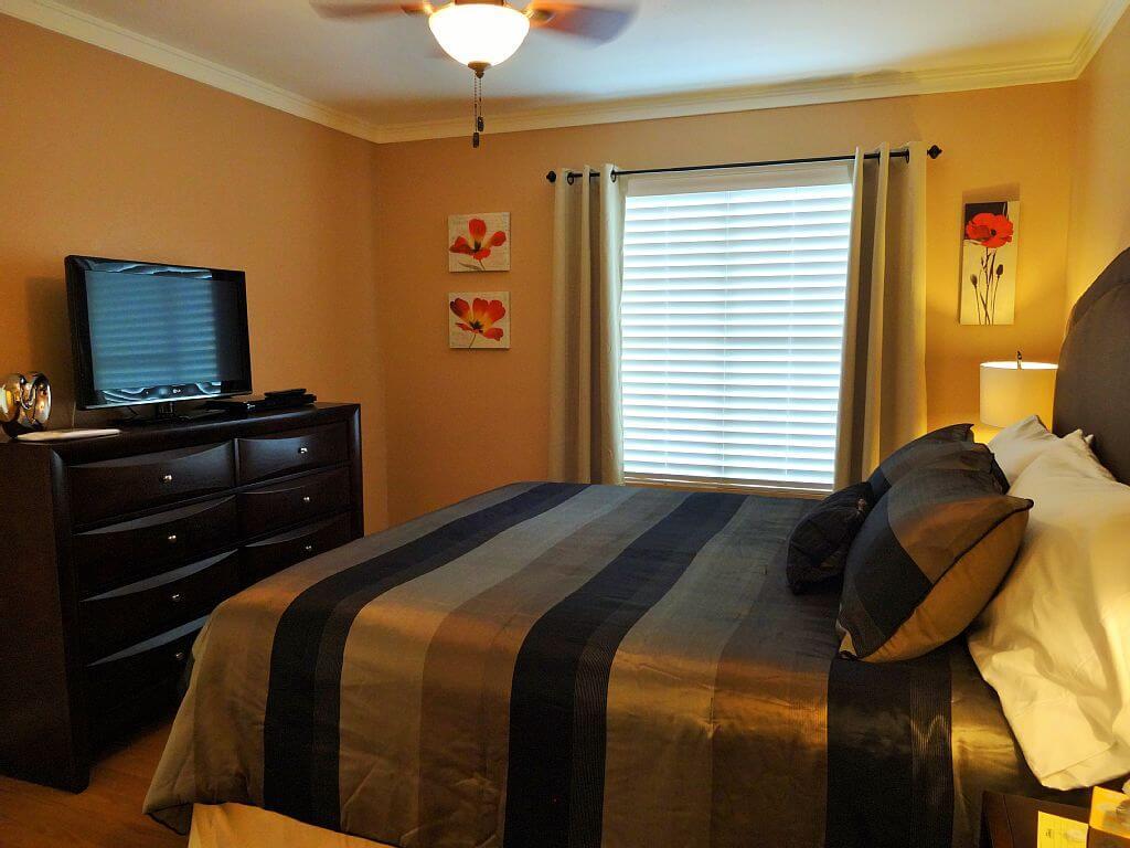 Bedrooms Flatscreen Tvs
