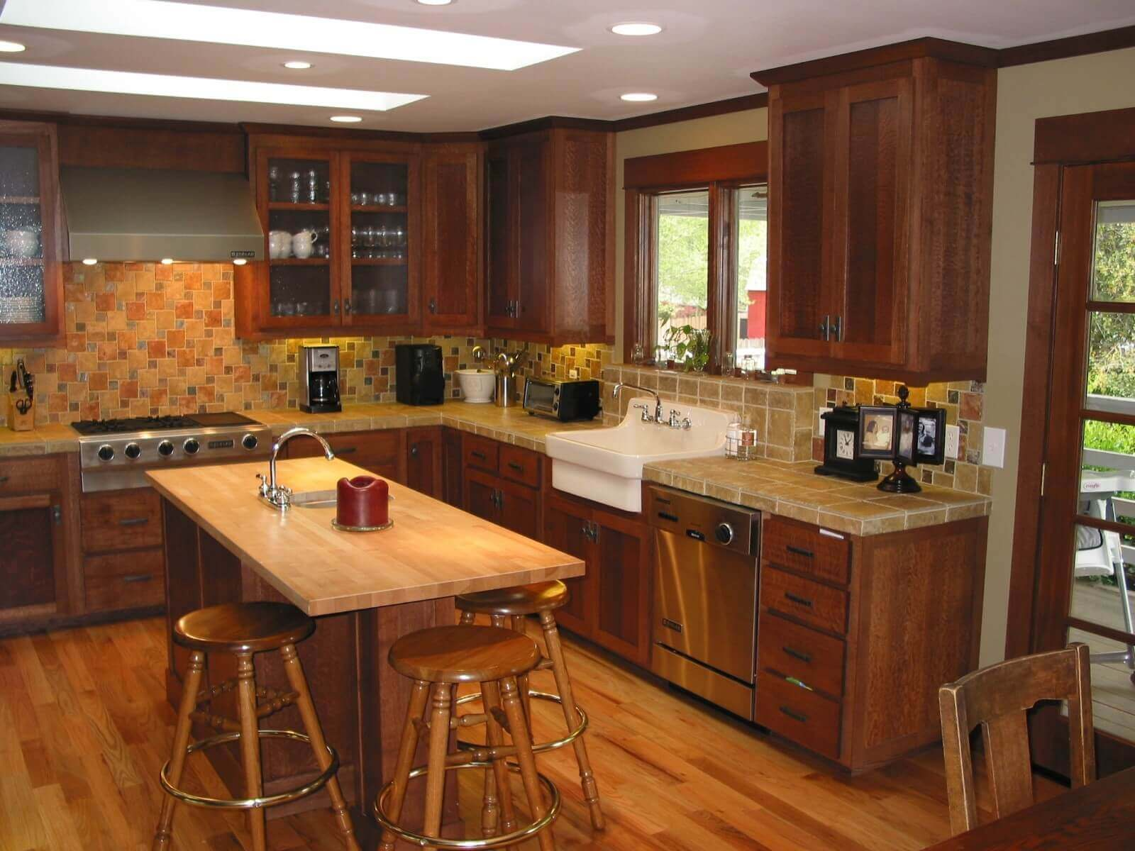 Modern Kitchen with Oak Cabinets
