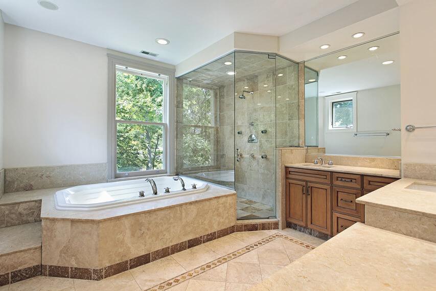 Master bath step up tub light color