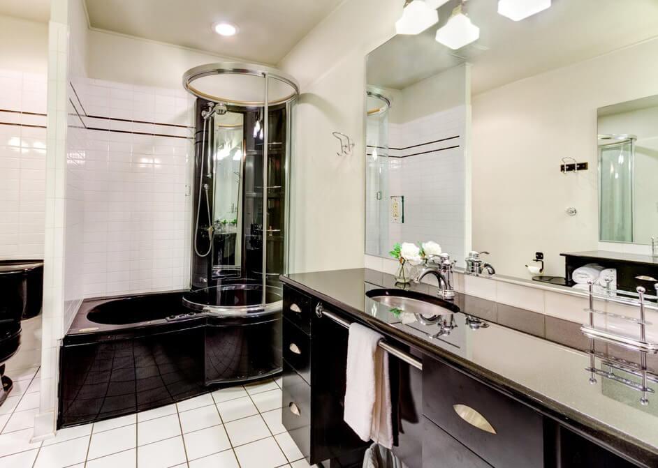 modern black and white bath design