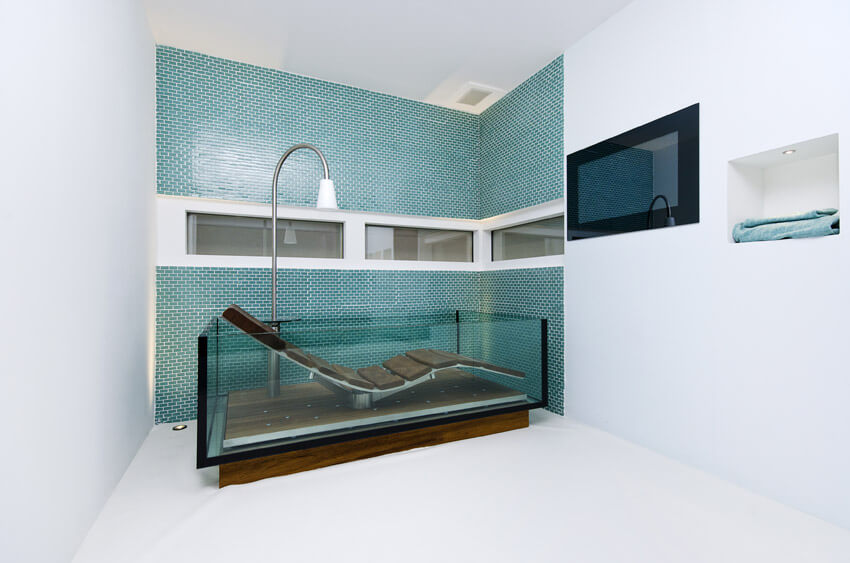 modern relaxation bathtub with contoured seat