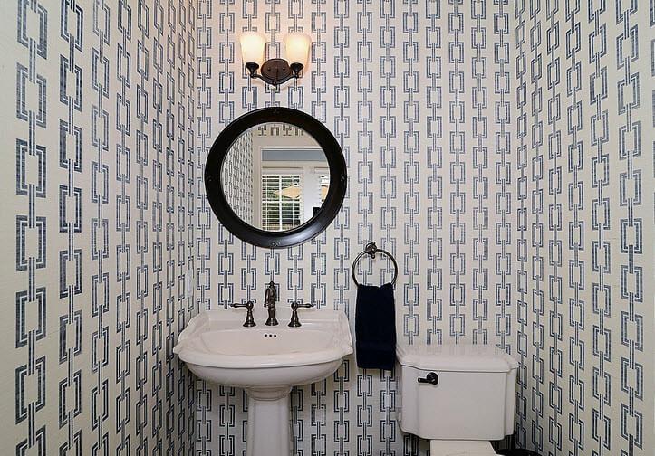 Bathroom design with white and black ceramic