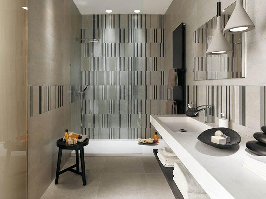 Ceramic bathroom vertical lines