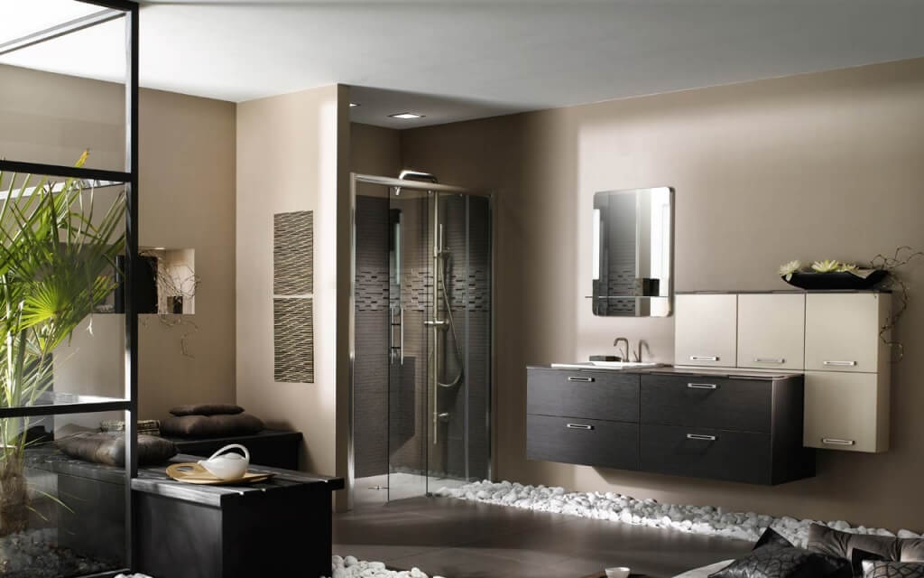 Elegant and natural bathroom decoration