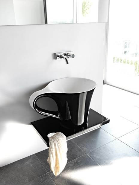Lavatory design with cup and plate shape