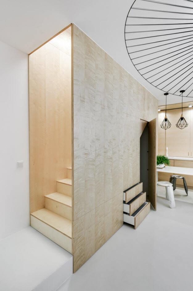 Stairs design for duplex apartment