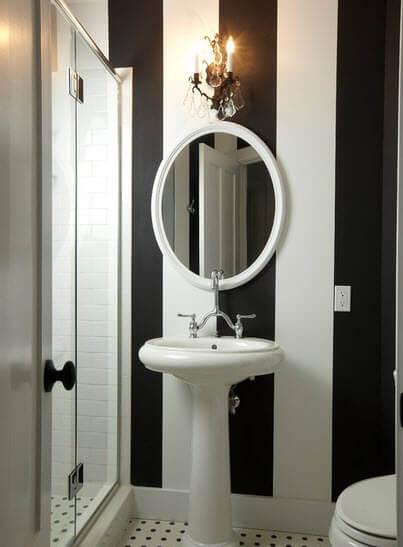 small bathroom decor in black and white