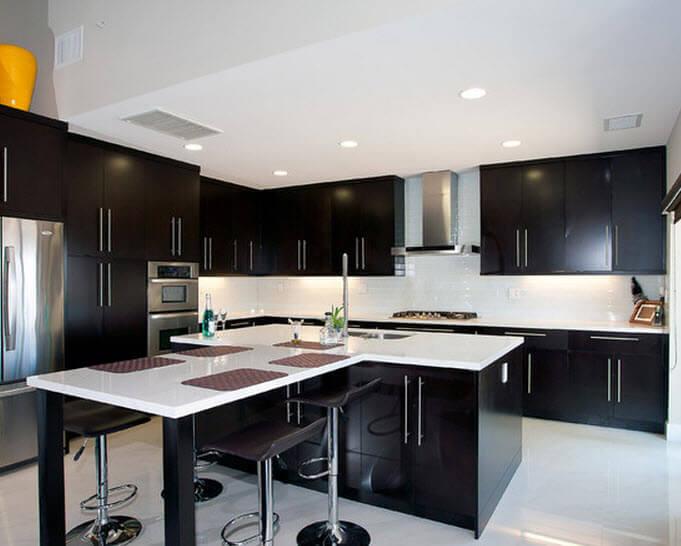 Modern kitchen in black and white