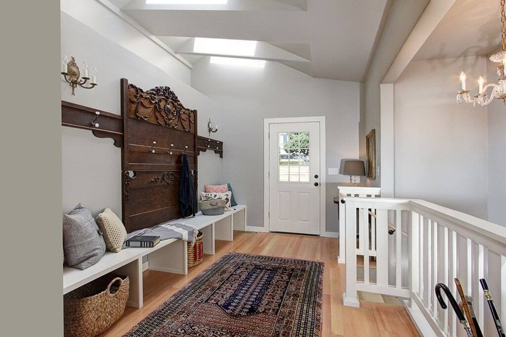 45+ Superb Mudroom & Entryway Design Ideas with Benches and Storage ...