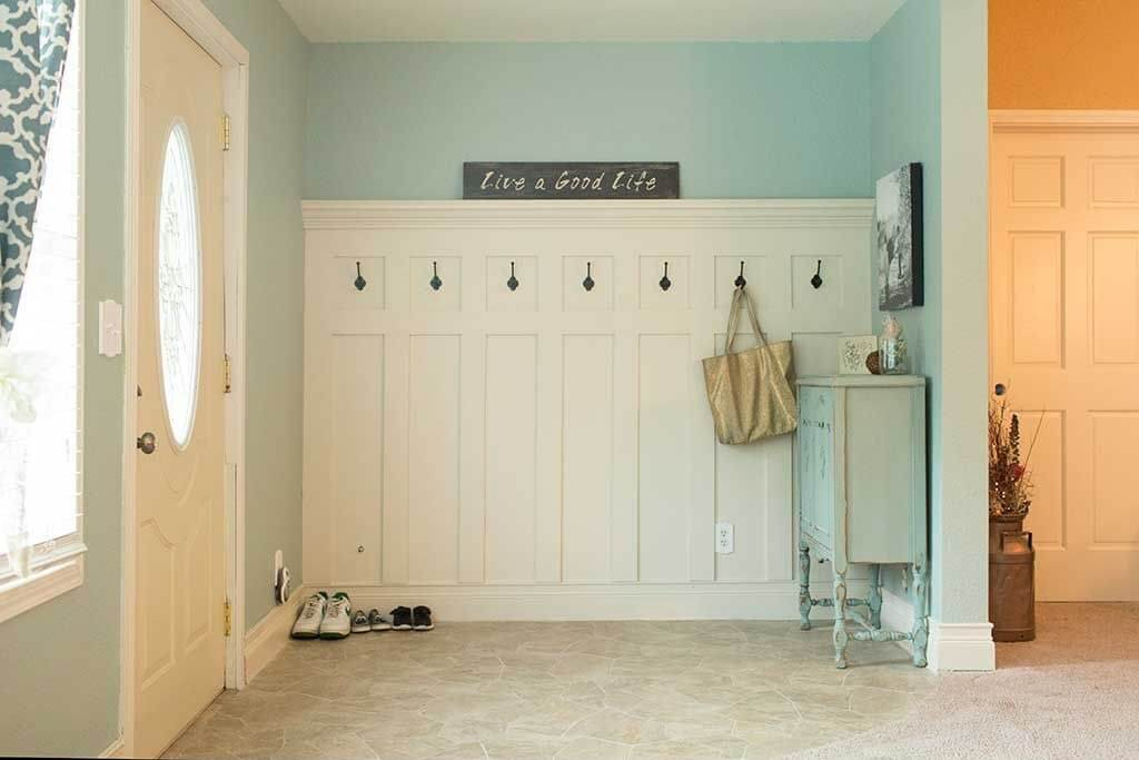 45 superb mudroom entryway design ideas with benches and storage lockers pictures home - Front entry storage ideas ...