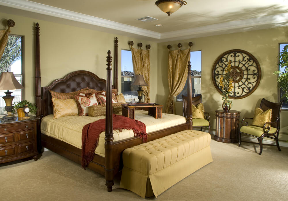 Classic theme master bedroom decorating ideas