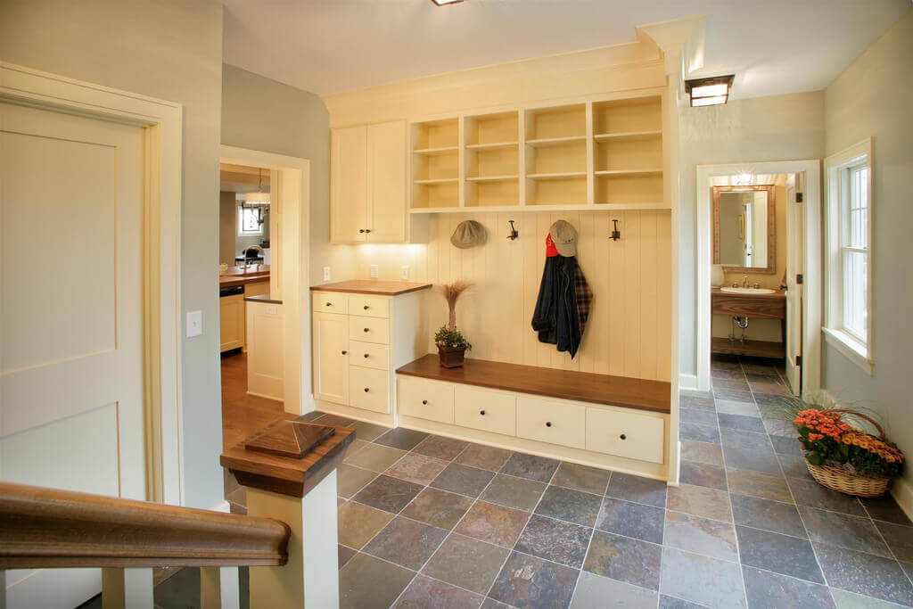 Plans for mudroom storage lockers