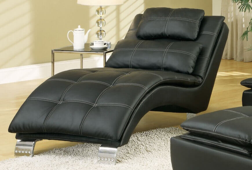 Comfortable living room chairs - the complete guide on how o chose the most comfortable chairs for your living room.