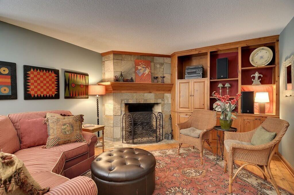 Craftsman Living Family Rooms