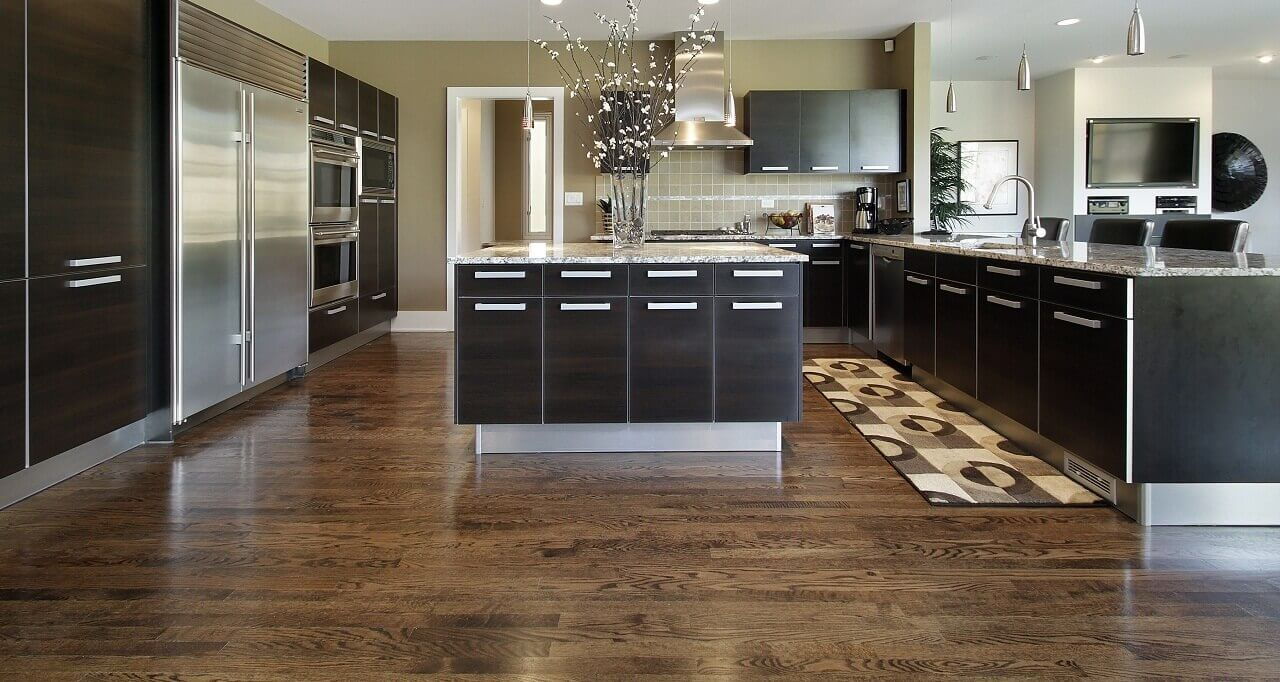Contemporary kitchen floor mats serve many purposes; while they add comfort to rough floors, they help define the spatial layout and enhance the setup of any kitchen. The floor mat in this kitchen helps bring in the touch of personality, colour and texture to the space