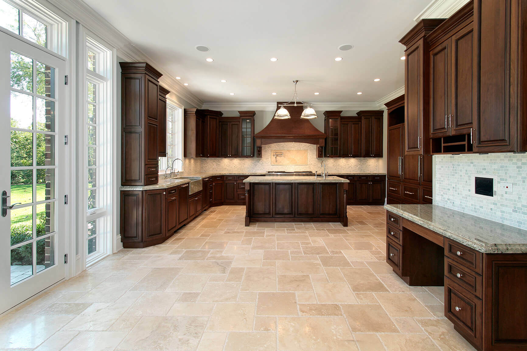 Contemporary kitchen floor tile ideas are now the homeowners' way of giving a real sense of stature and grandeur to any kitchen space. The clean lines of contemporary furnishings of the simple solid block of color in this kitchen enhance the general feel of the entire setup