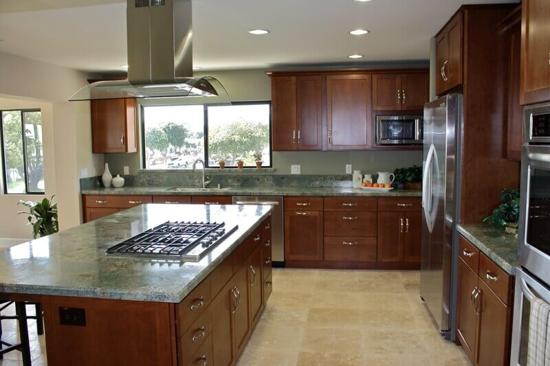 Island Countertop With Stove : This kitchen island with stove top blends stoned granite top and ...