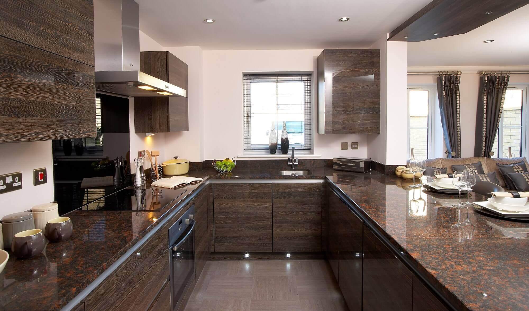 Modern U Shaped Kitchen with Island
