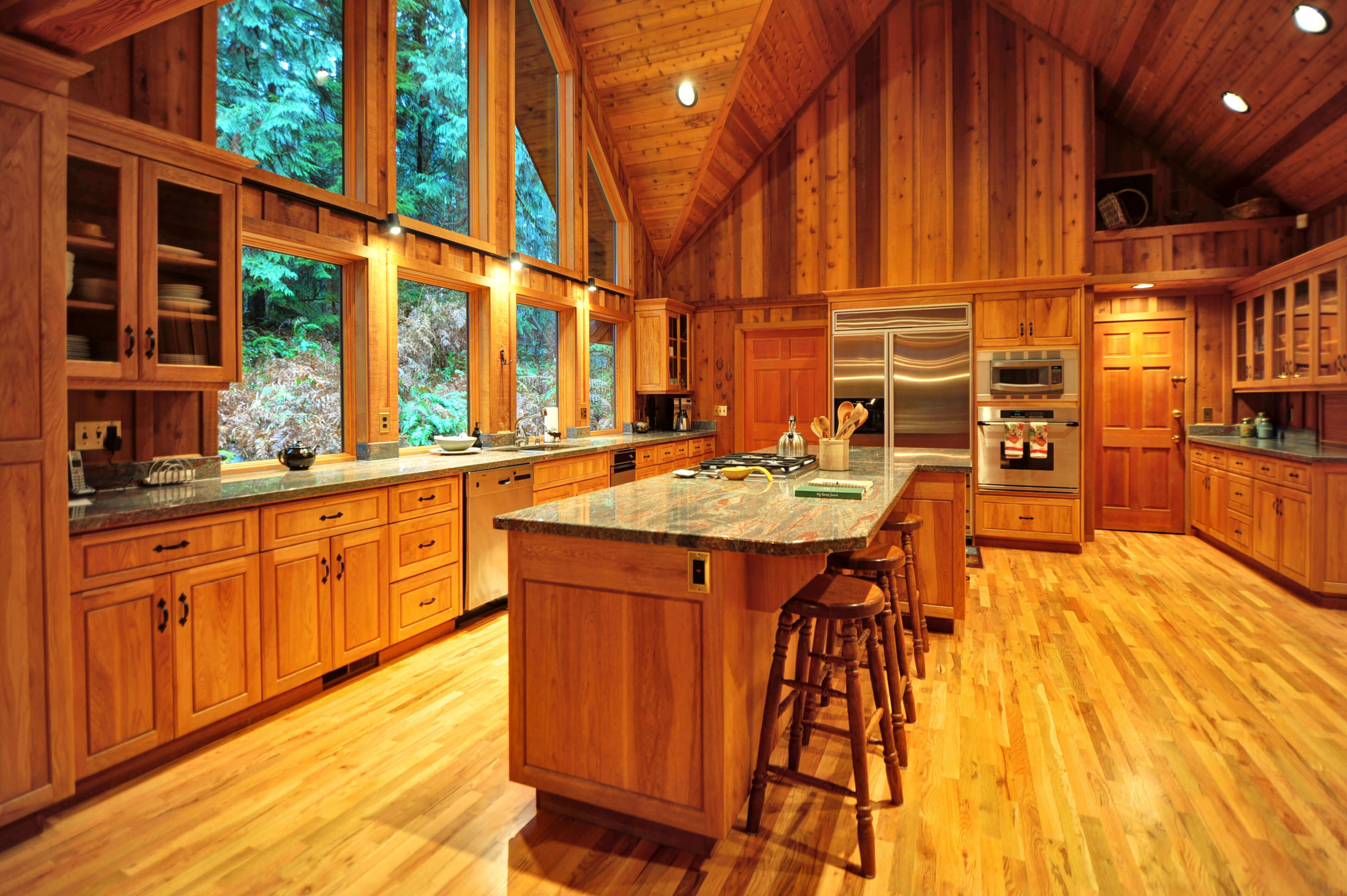 Country Kitchens With Gray Island And Oak Cabinets