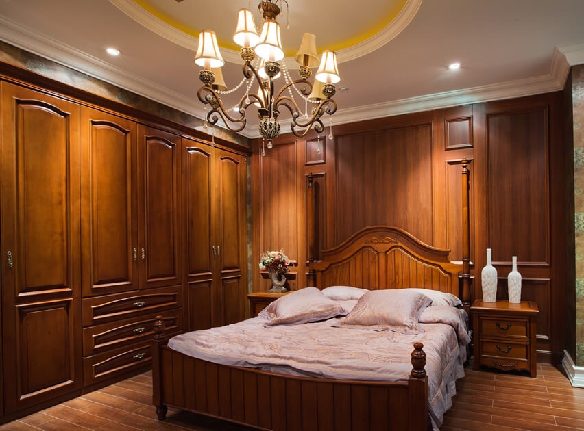 This custom wood fitted bedroom wardrobe is part of a collection of a top designer whose focus is the use of high quality materials. The unit is quite versatile and offers great flexibility of use