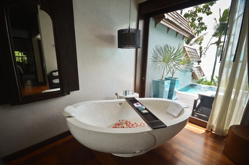luxury bathroom suite at expensive tropical resort