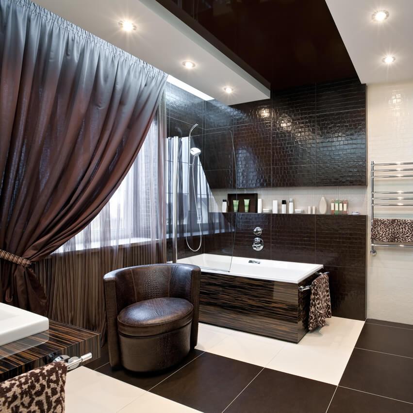 Modern bath with brown white design