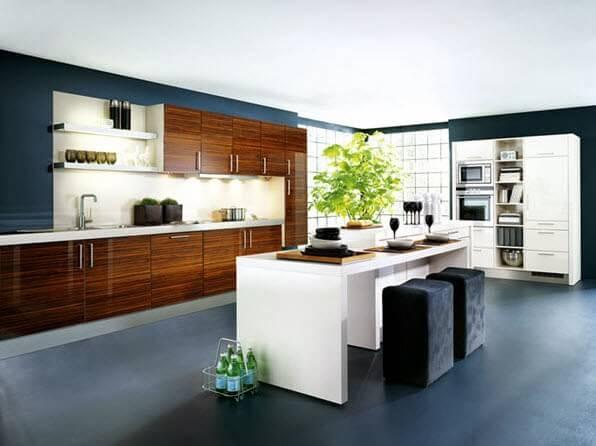 White kitchen bar design